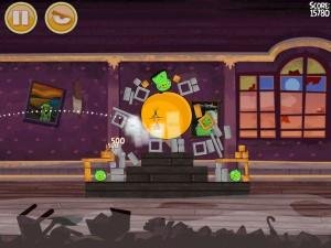 Игра Angry Birds Halloween для iPhone